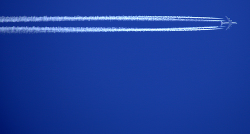 vapour trail by rashley on flickr
